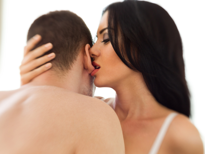 7 Ways to Seduce a Man & Make Him Crazy for You